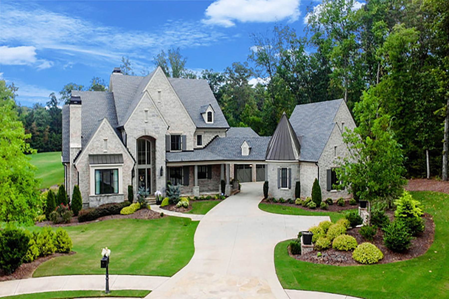 Single Family Homes for Active at Exquisitely Appointed Estate with Fabulous Pool and Amazing Golf Course Views 715 Balley Forrest Court Milton, Georgia 30004 United States