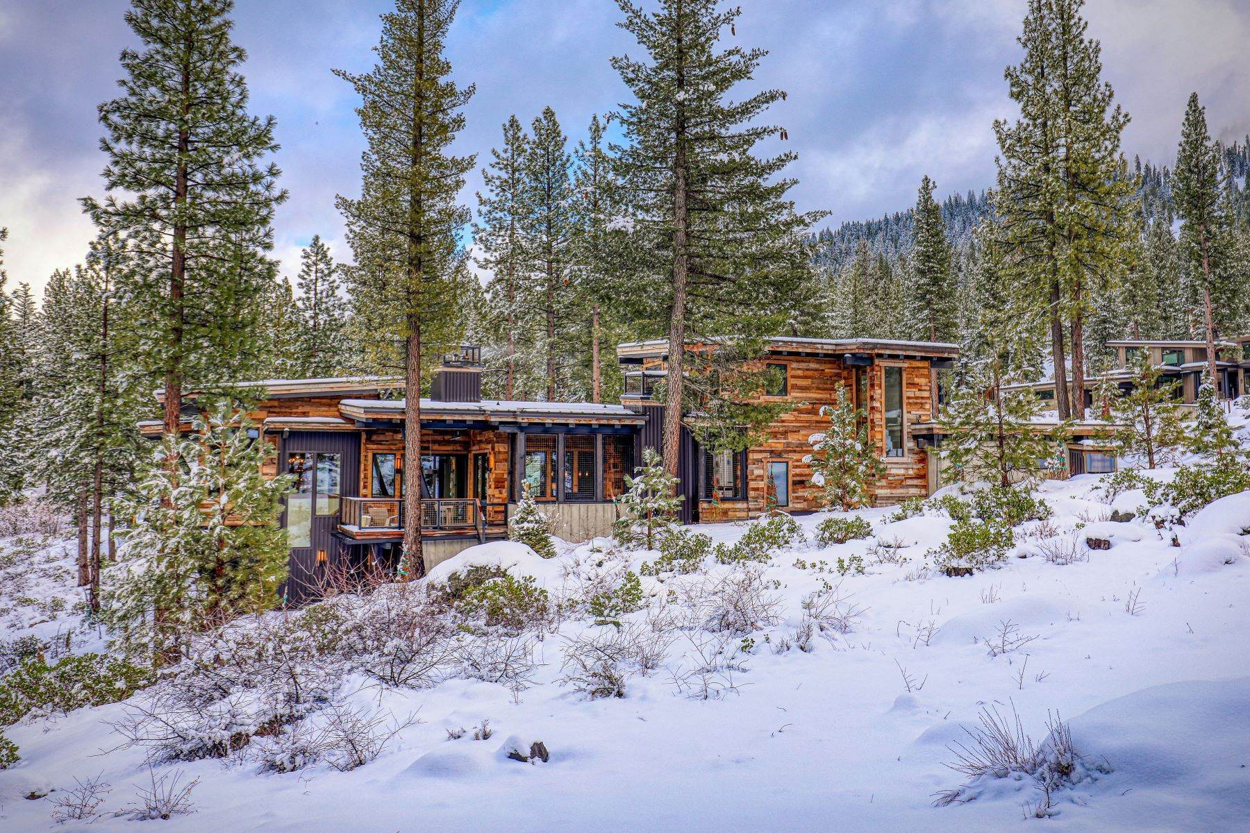 48. Single Family Homes for Active at 9512 Wawona Court, Truckee, CA 96161 9512 Wawona Court Truckee, California 96161 United States