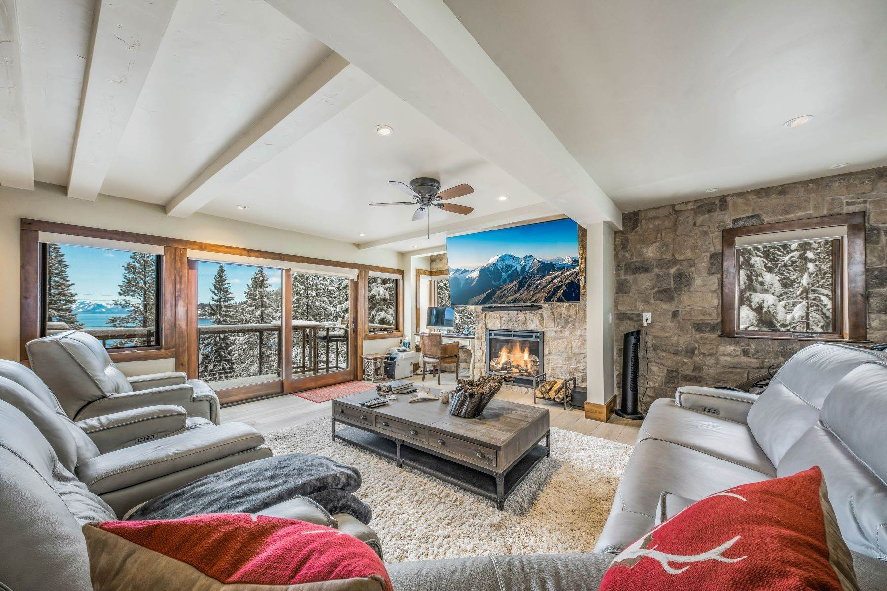 20. Single Family Homes for Active at Panoramic Lakeview Lodge 115 Vue Court Incline Village, Nevada 89451 United States