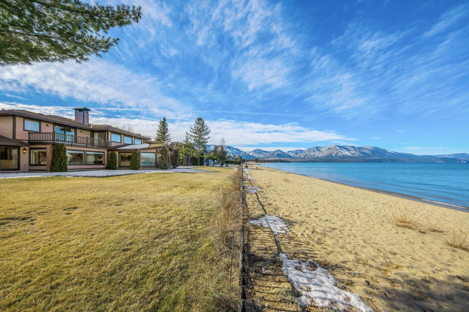 27. Single Family Homes for Active at Lake Tahoe Lakefront Estate 259 Beach Drive South Lake Tahoe, California 96150 United States