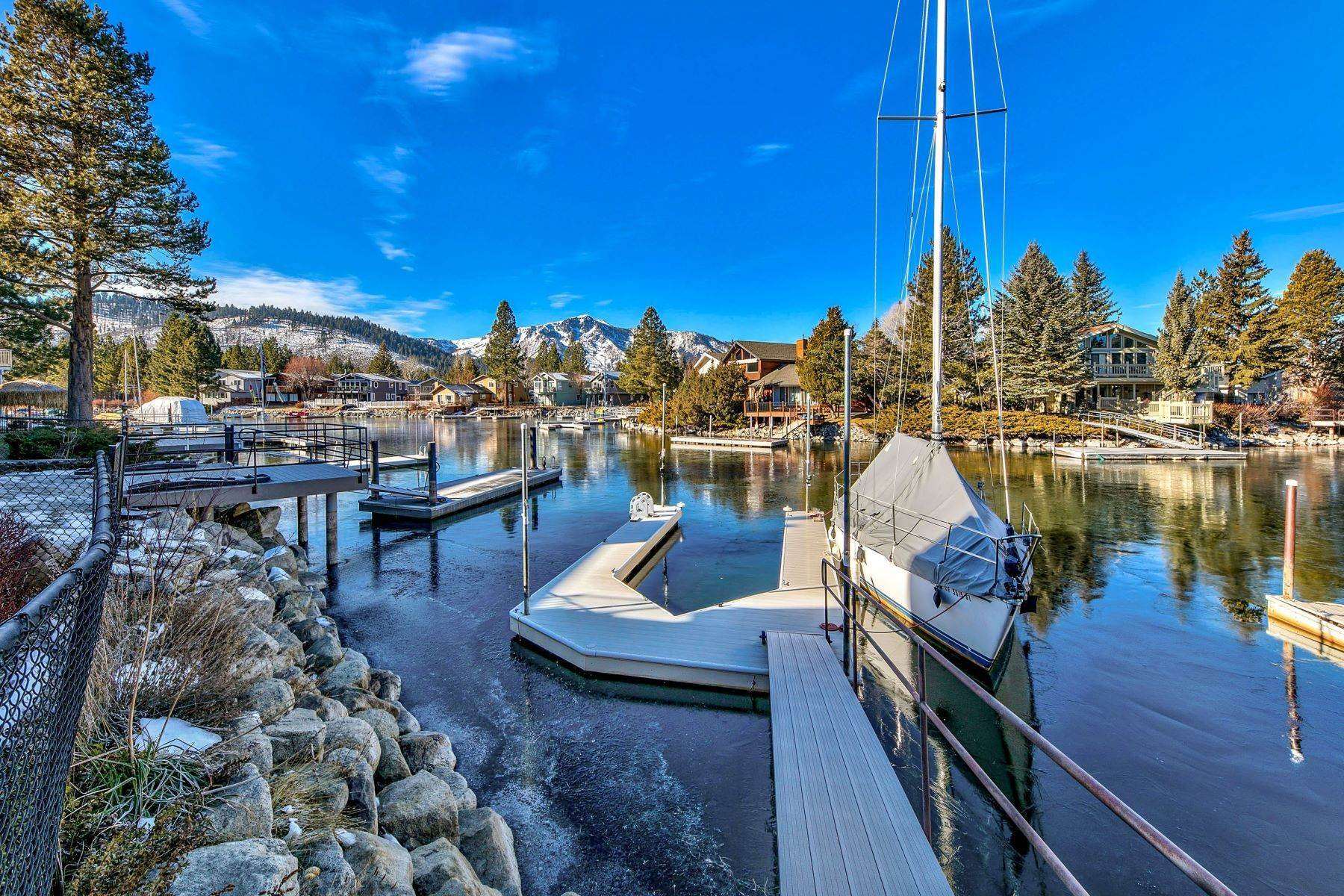 28. Single Family Homes for Active at Mountain Luxury Living 1959 Marconi Way South Lake Tahoe, California 96150 United States