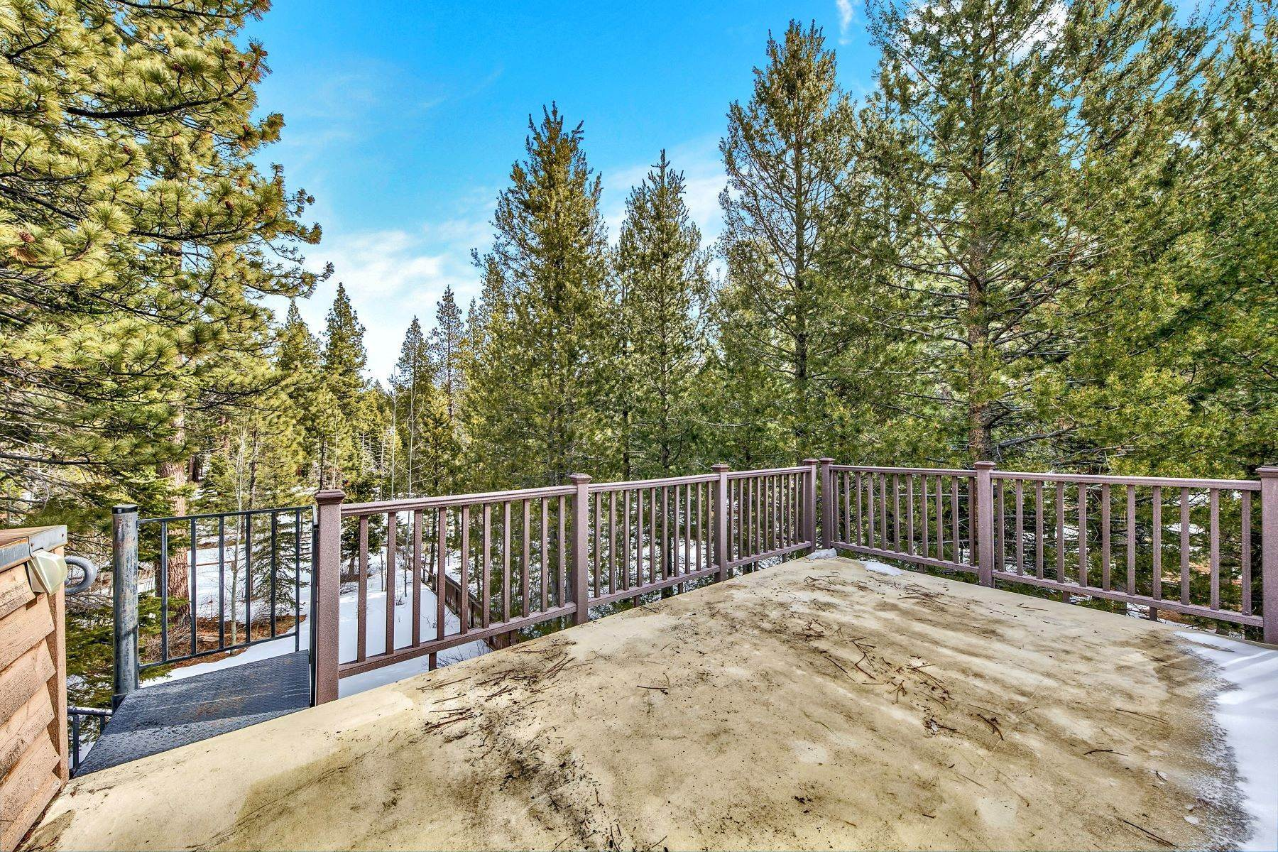 29. Single Family Homes for Active at Mountain Luxury 567 Eloise Ave South Lake Tahoe, California 96150 United States