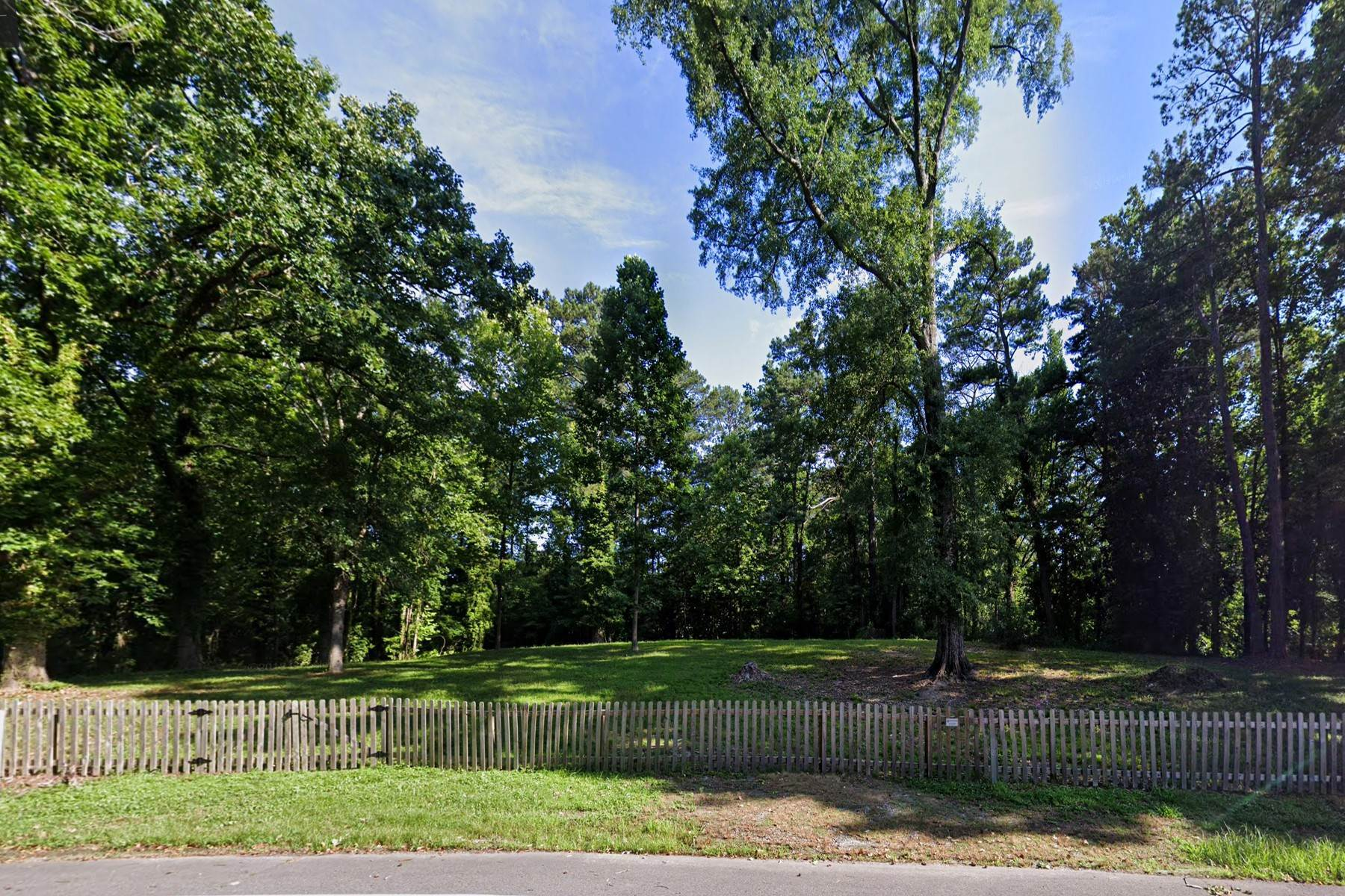 Land for Active at Fabulous Flat 2+/- Acre Lot in Prime Location 4675 Northside Drive Sandy Springs, Georgia 30327 United States