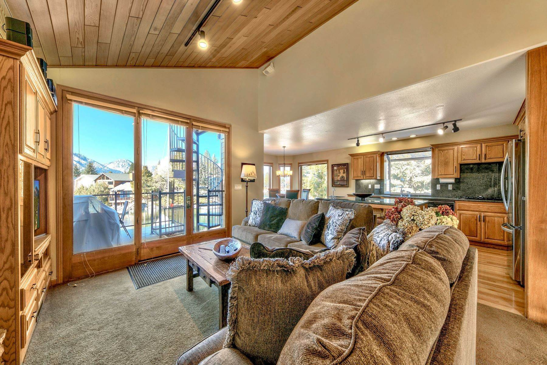 15. Single Family Homes for Active at Mountain Luxury Living 1959 Marconi Way South Lake Tahoe, California 96150 United States