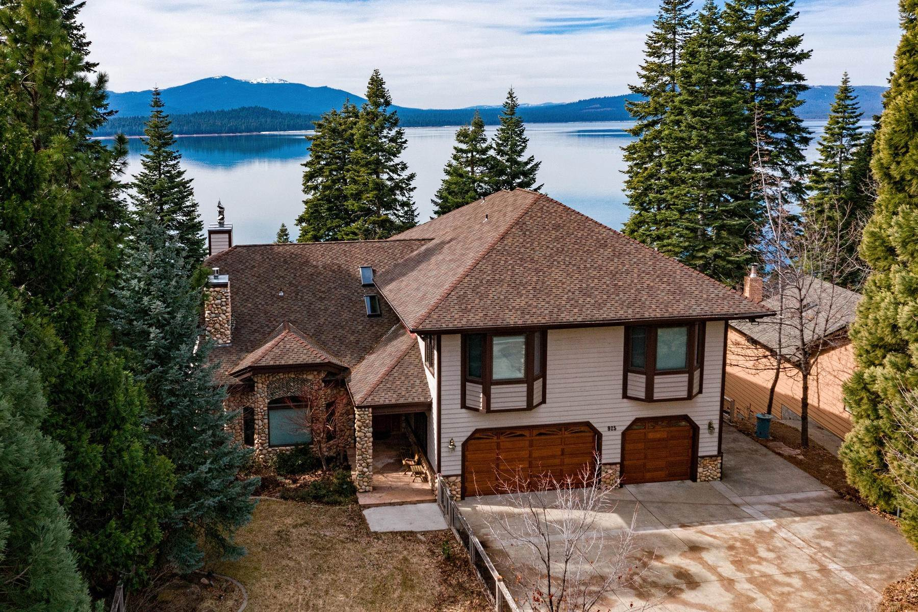 Property en Beautiful Lakefront Home 925 Lassen View Drive Lake Almanor, California 96137 Estados Unidos