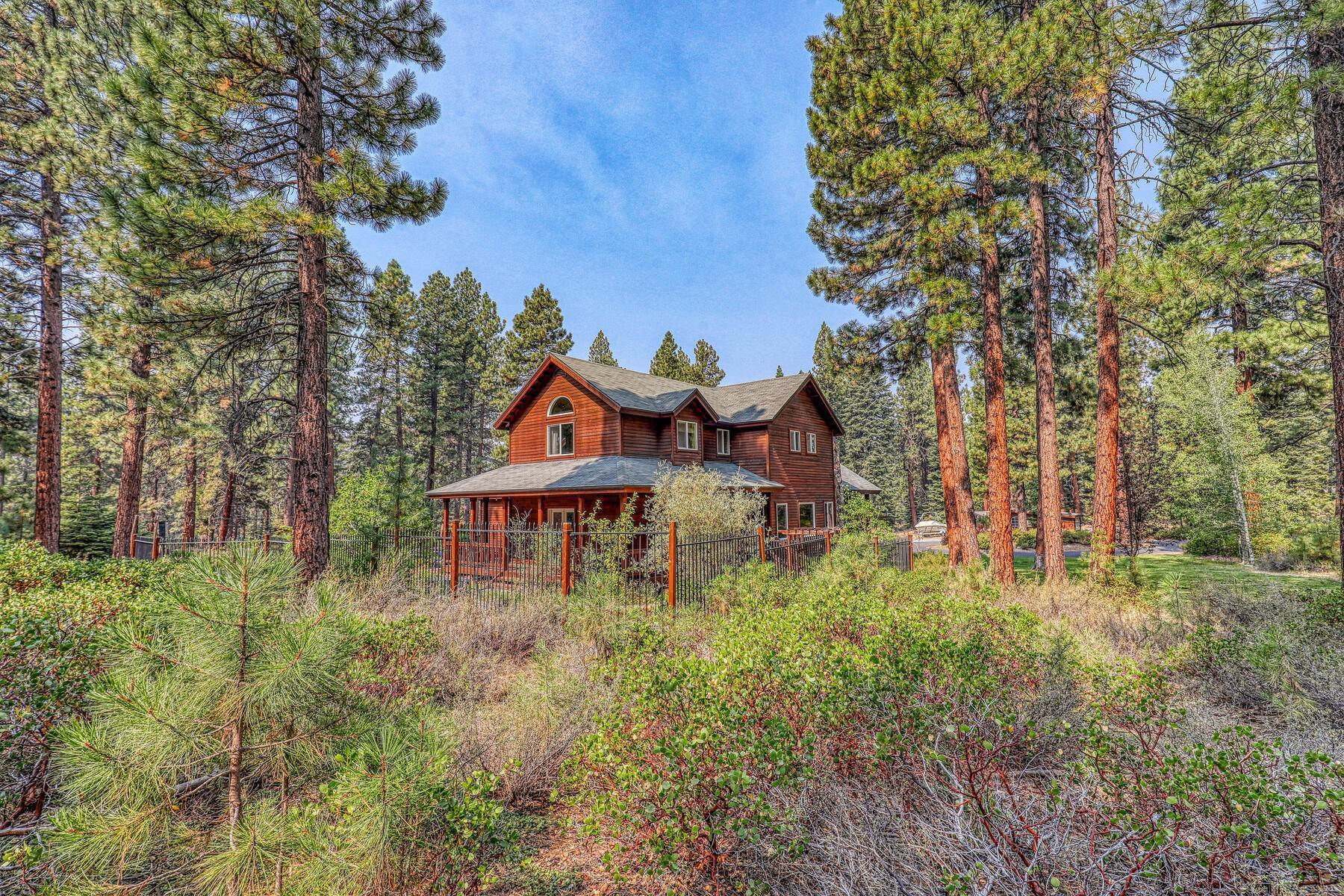 23. Single Family Homes for Active at Best Kept Secret In Truckee Is Out 10915 Royal Crest Drive Truckee, California 96161 United States