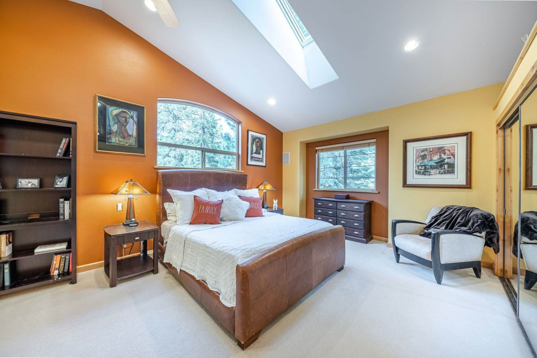 6. Single Family Homes for Active at Beautiful Secluded Mountain Home 1346 Bonanza Avenue South Lake Tahoe, California 96150 United States