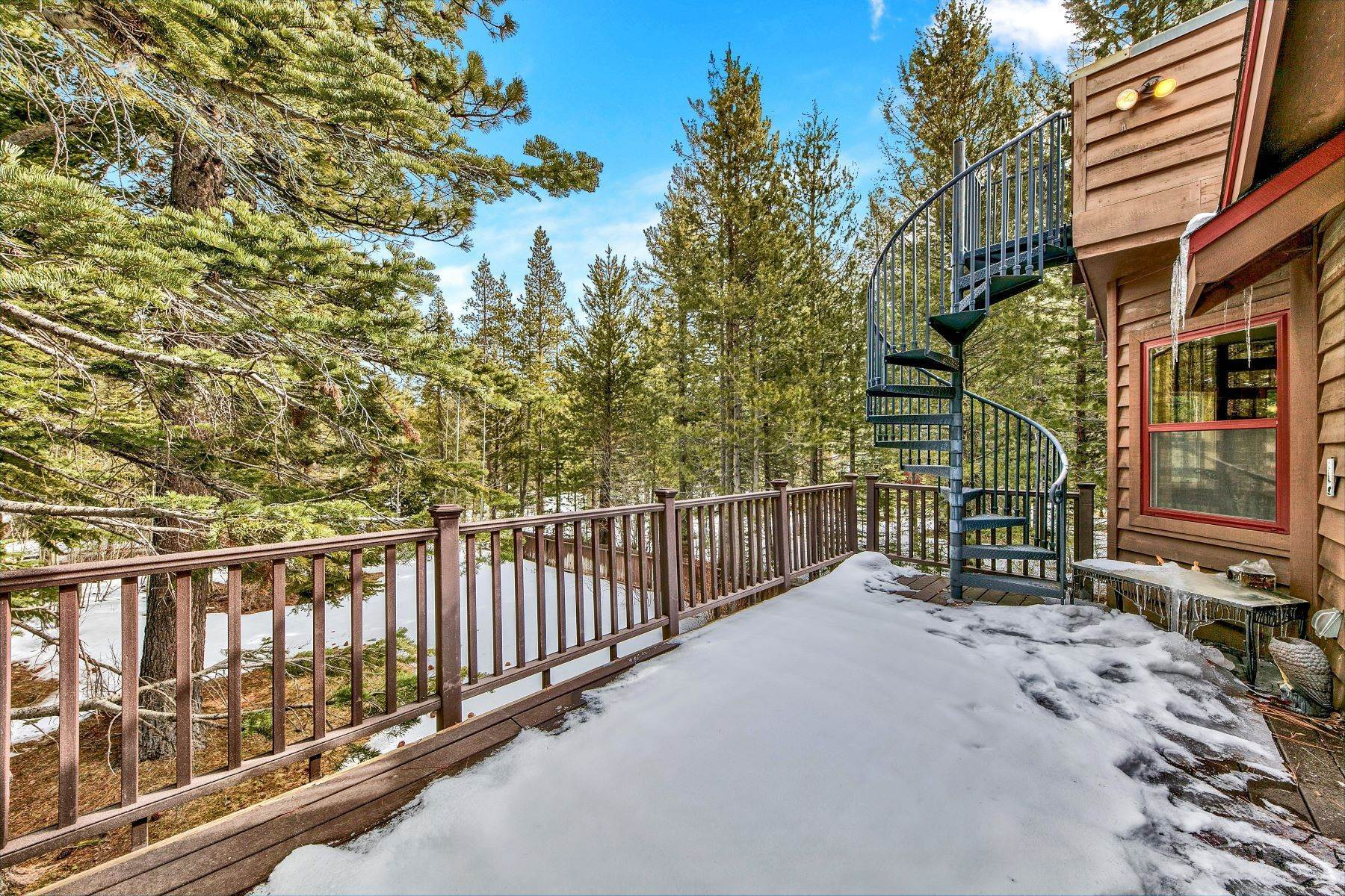 9. Single Family Homes for Active at Mountain Luxury 567 Eloise Ave South Lake Tahoe, California 96150 United States
