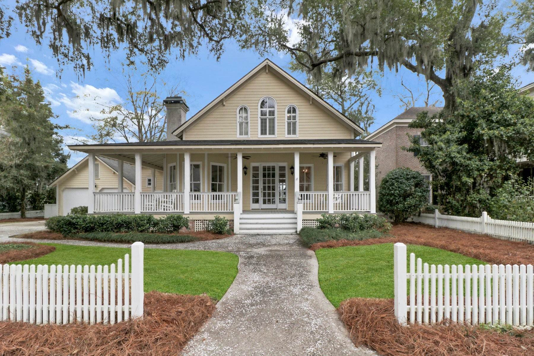 Single Family Homes for Active at Charming Coastal Home in Emerald Pointe 108 John Wesley Way Savannah, Georgia 31404 United States