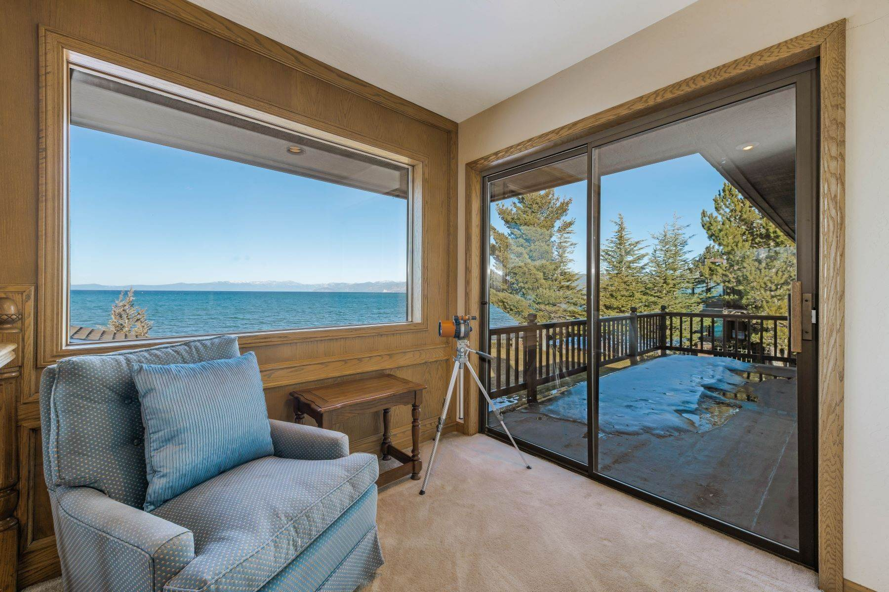 25. Single Family Homes for Active at Lake Tahoe Lakefront Estate 259 Beach Drive South Lake Tahoe, California 96150 United States