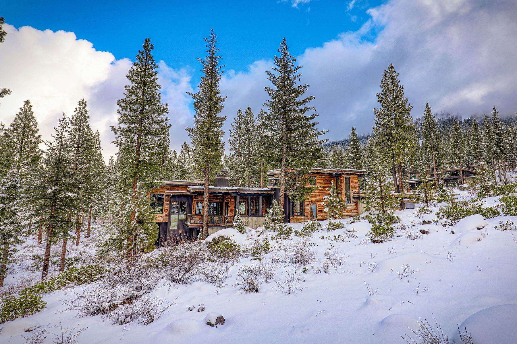 46. Single Family Homes for Active at 9512 Wawona Court, Truckee, CA 96161 9512 Wawona Court Truckee, California 96161 United States