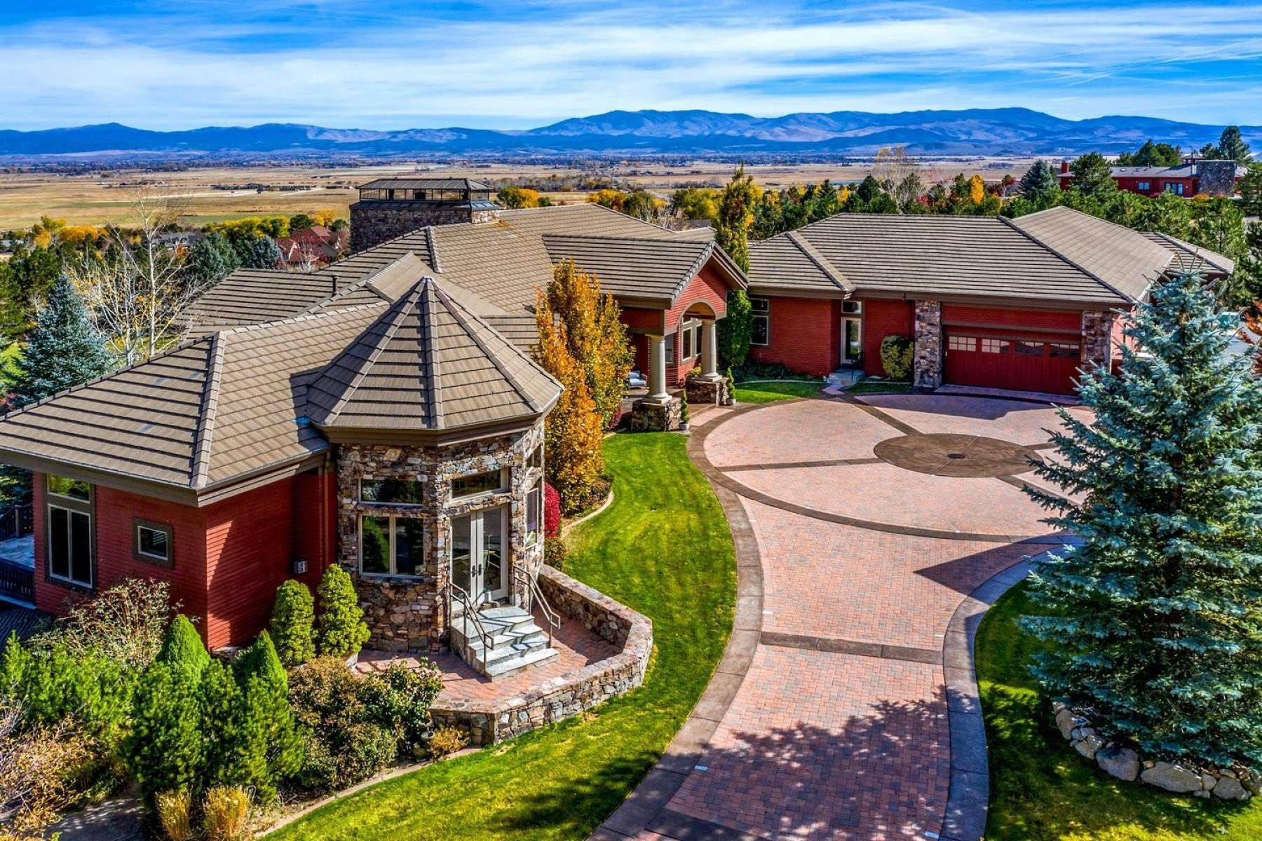 4. Single Family Homes for Active at Private Estate Near Lake Tahoe 263 Sierra Country Circle Gardnerville, Nevada 89460 United States