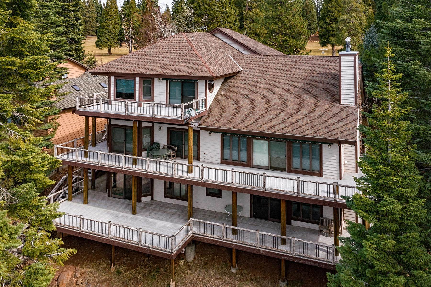 2. Single Family Homes for Active at Beautiful Lakefront Home 925 Lassen View Drive Lake Almanor, California 96137 United States