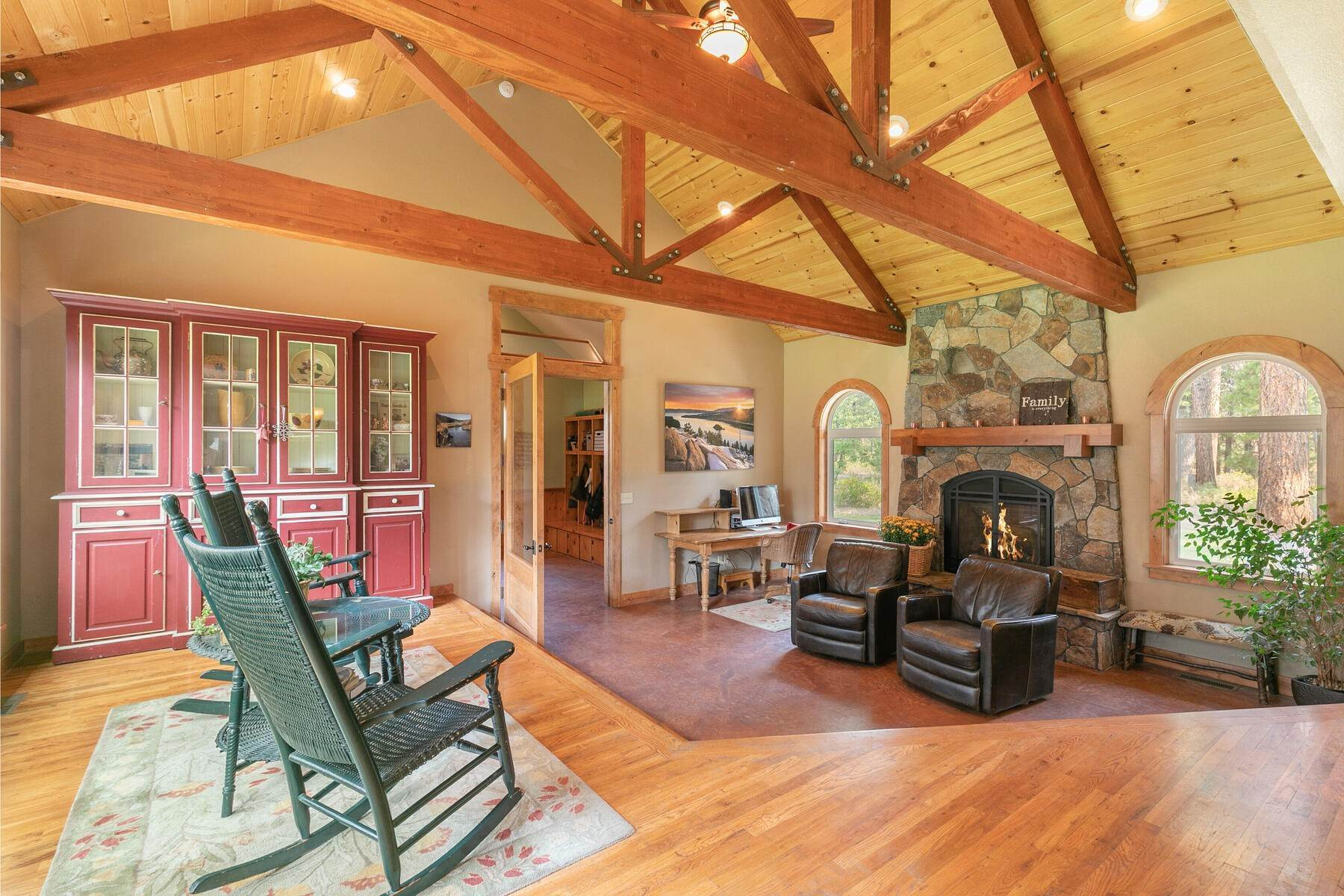 14. Single Family Homes for Active at Best Kept Secret In Truckee Is Out 10915 Royal Crest Drive Truckee, California 96161 United States