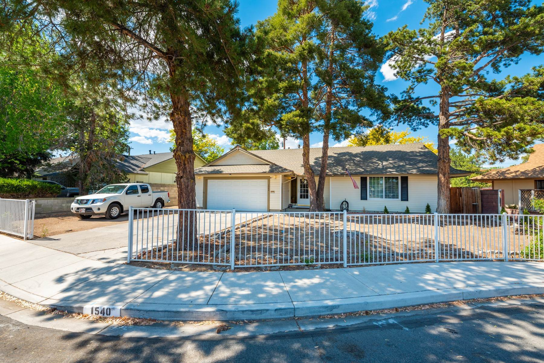 Single Family Homes for Active at Ranch-styled charmer in Sparks 1540 Plymouth Way Sparks, Nevada 89431 United States