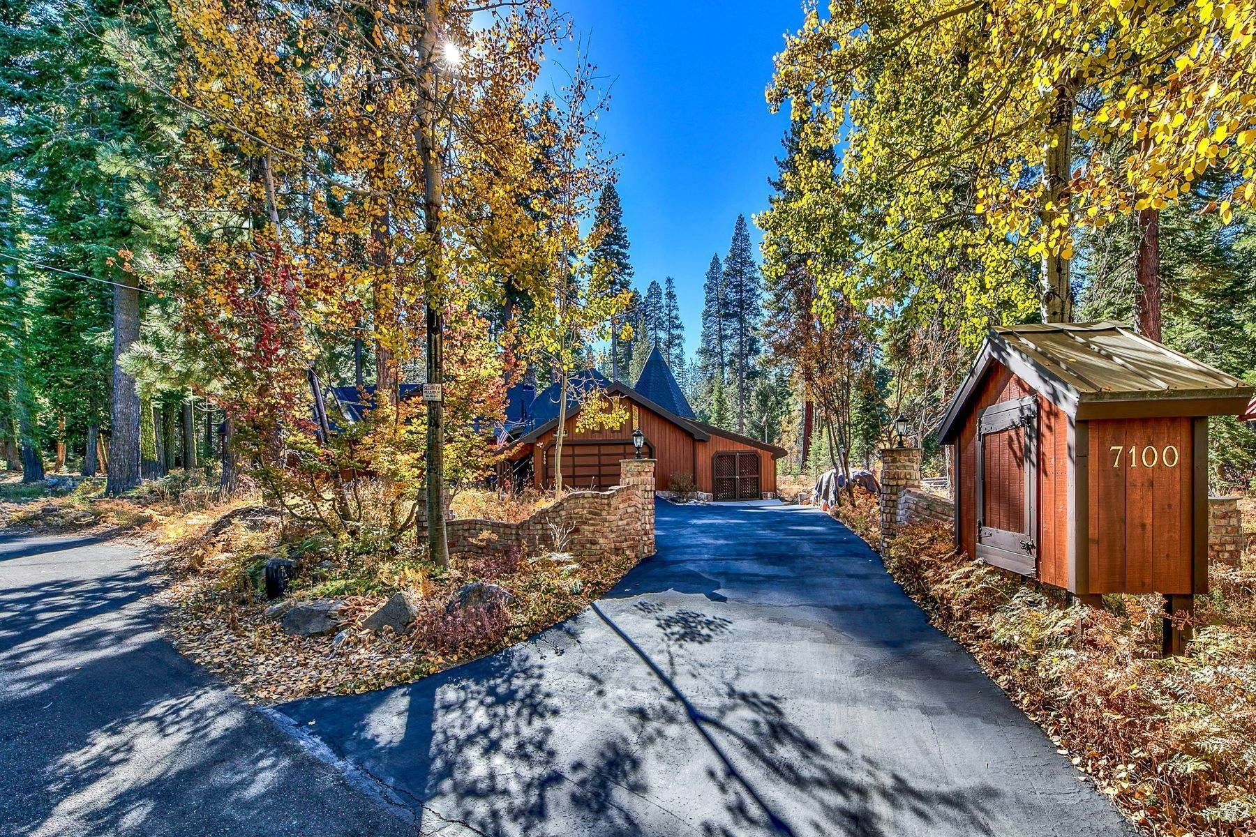 29. Single Family Homes for Active at Magical West Shore Lake Tahoe Home 7100 Deer Ave Tahoma, California 96142 United States