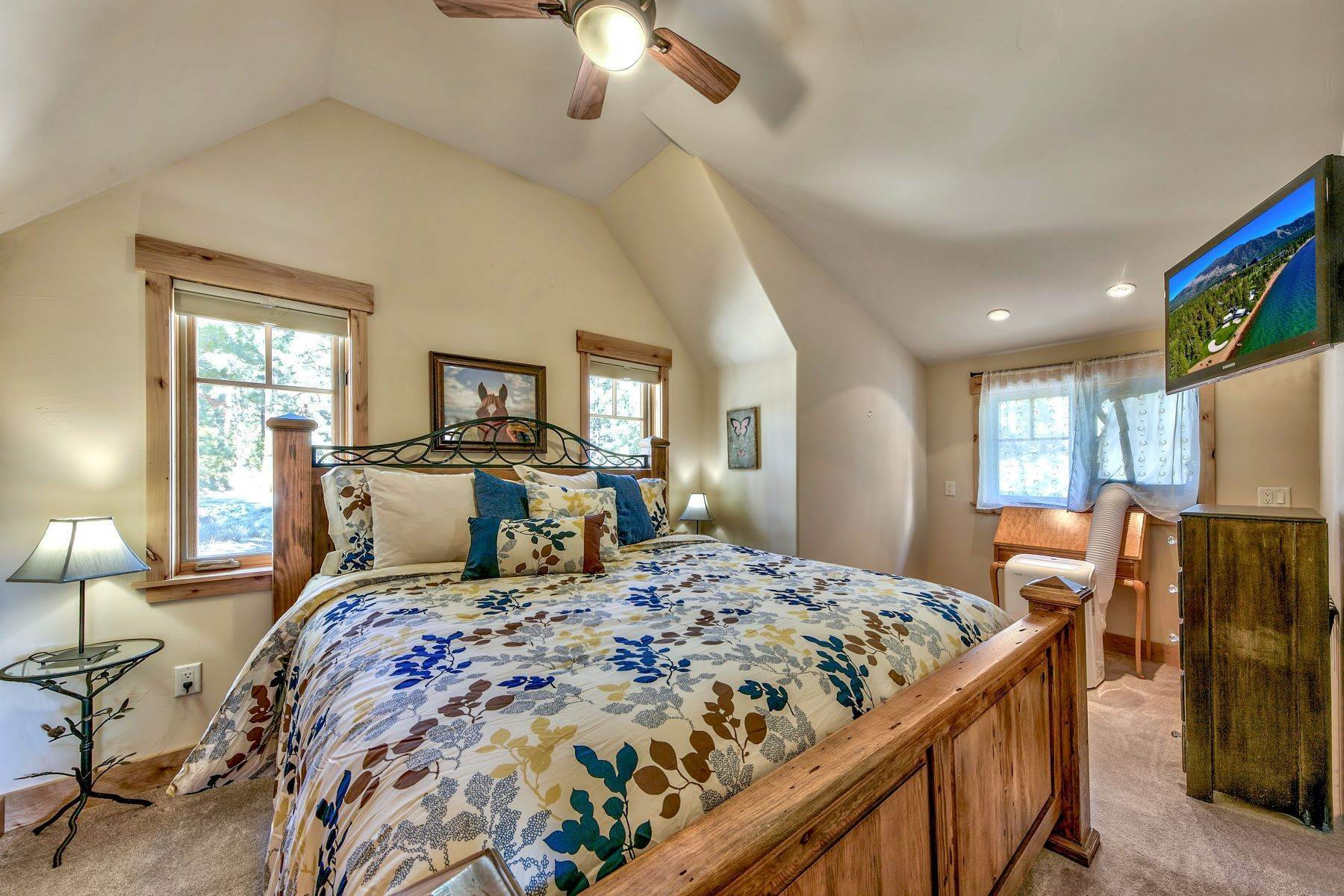 32. Single Family Homes for Active at Grizzly Ranch Custom Home 283 Big Grizzly Portola, California 96122 United States