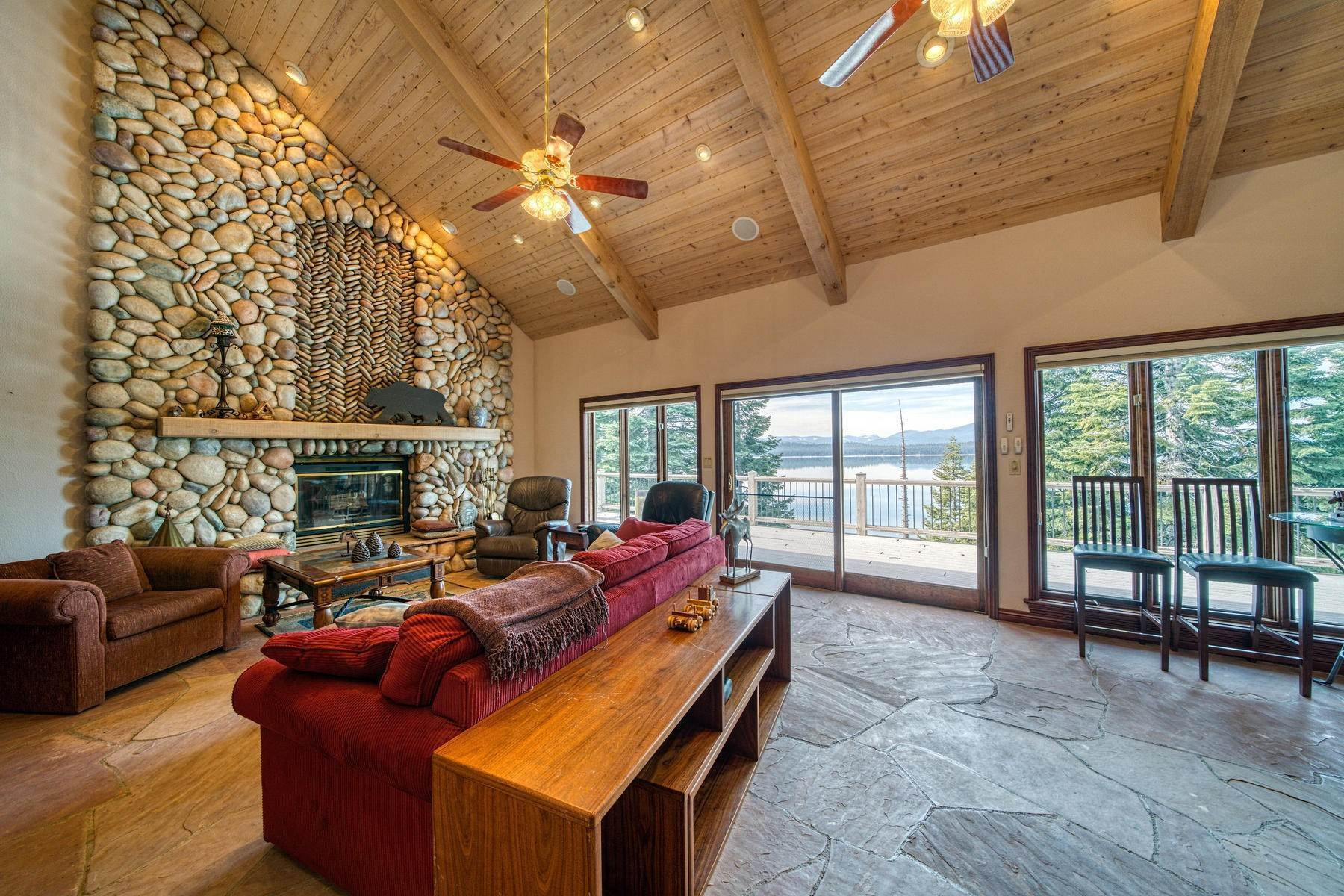 3. Single Family Homes for Active at Beautiful Lakefront Home 925 Lassen View Drive Lake Almanor, California 96137 United States