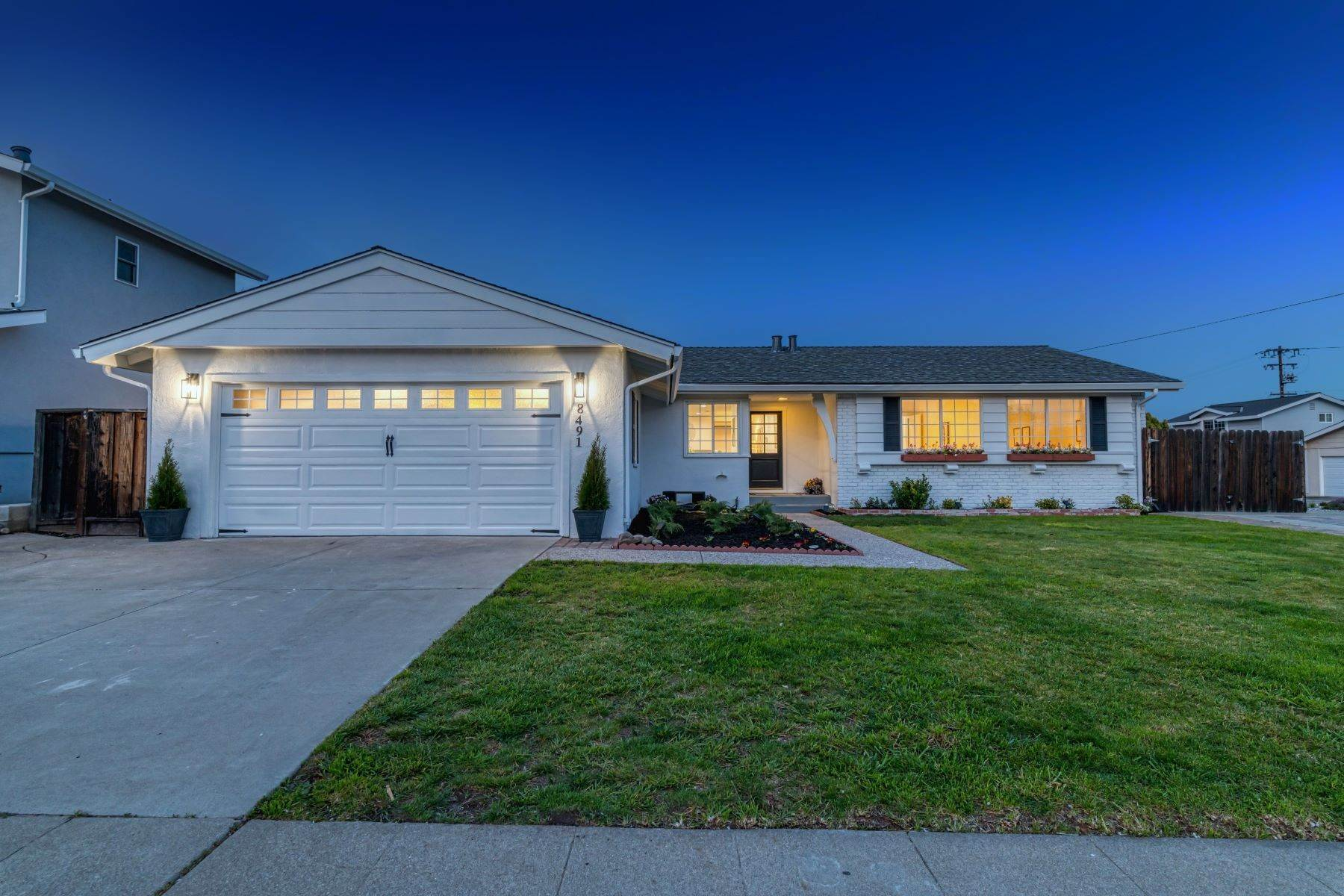 Single Family Homes for Active at 8491 Wicklow Lane, Dublin, CA 94568 8491 Wicklow Lane Dublin, California 94568 United States
