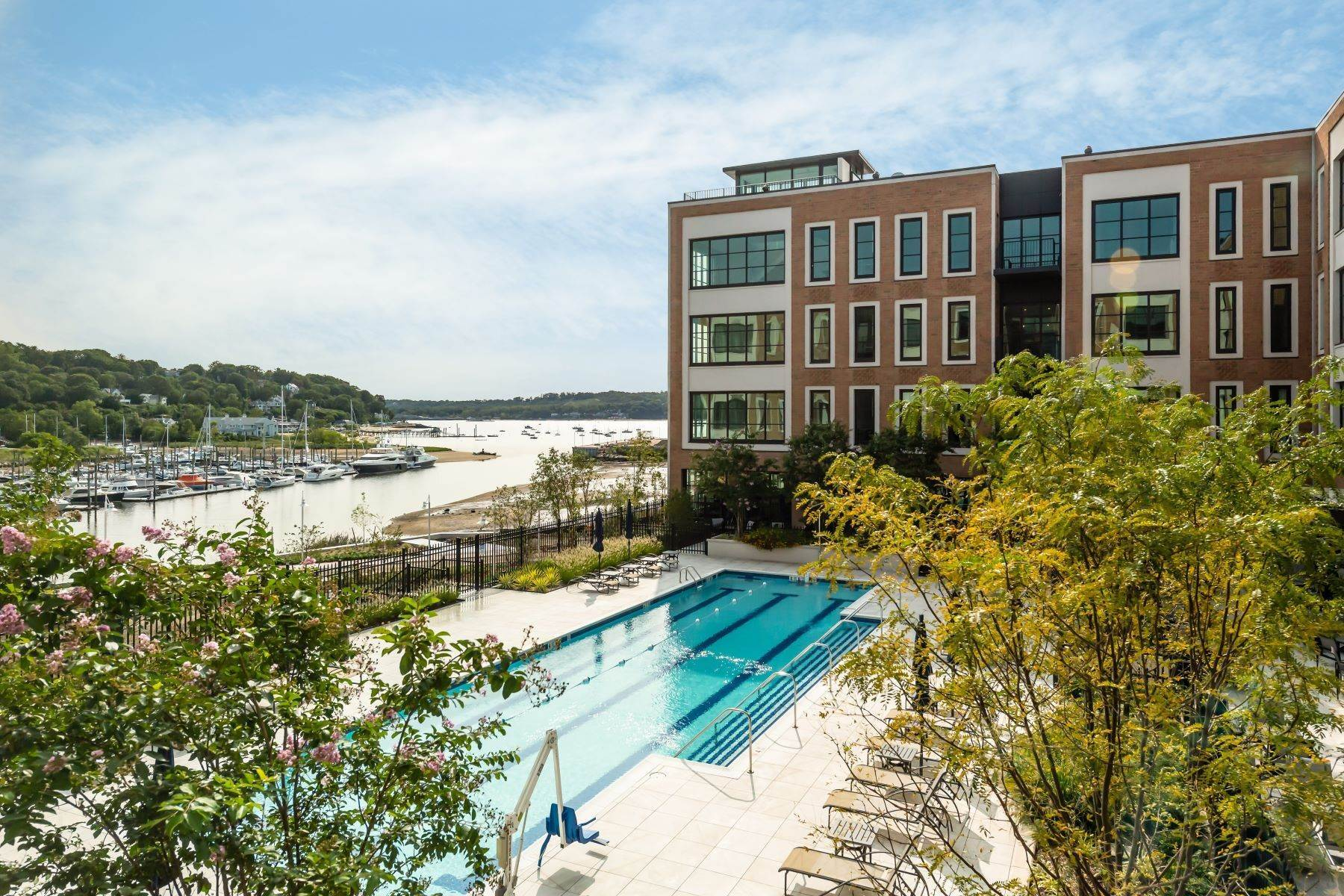 Condominiums for Active at 100 Garvies Point Road, Glen Cove, Ny, 11542 100 Garvies Point Road, Unit# 1332 Glen Cove, New York 11542 United States