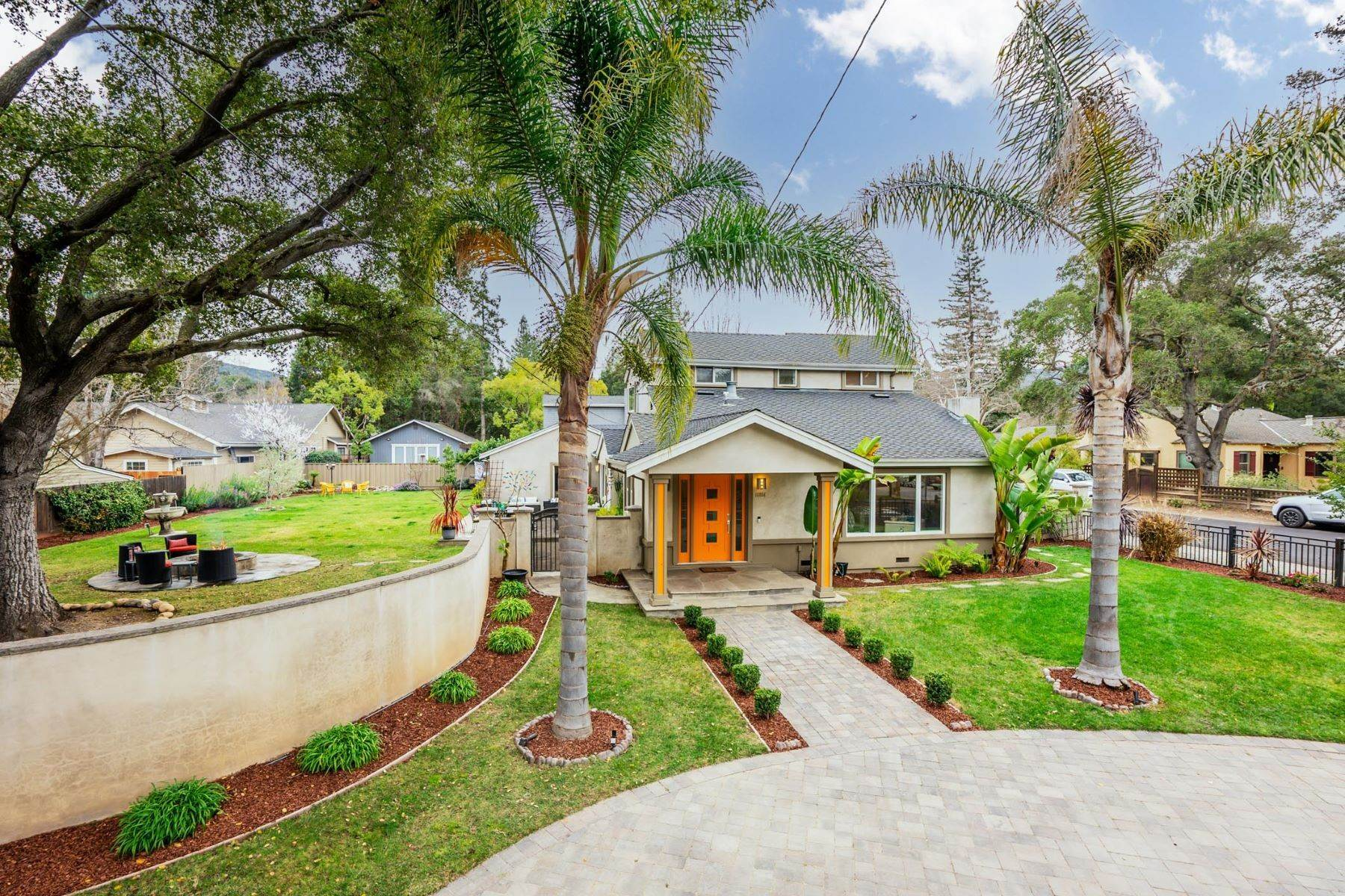 Single Family Homes 为 销售 在 Great Modern Home in Los Gatos! 16854 Kennedy Road 洛斯盖多斯, 加利福尼亚州 95032 美国