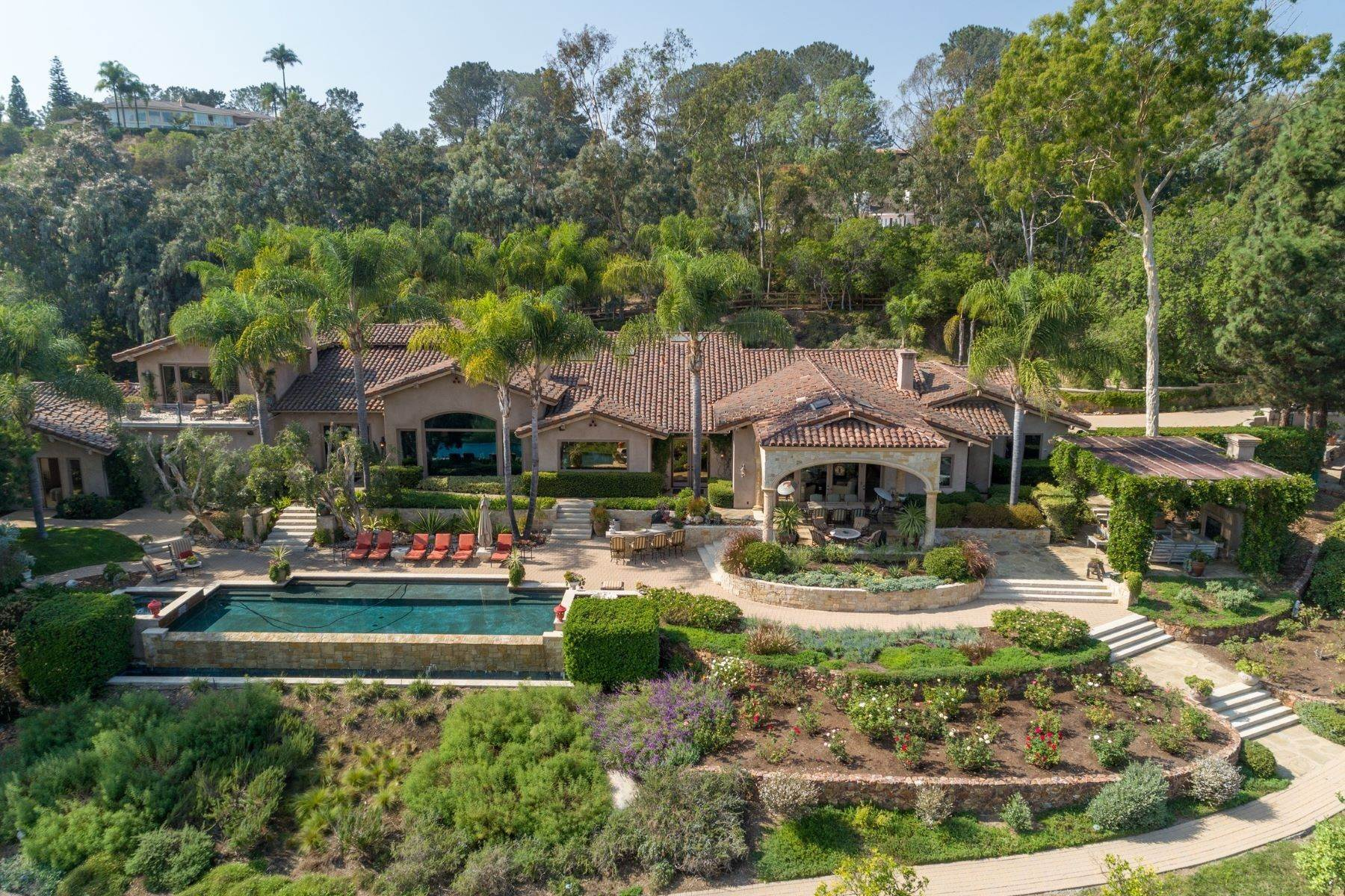 Single Family Homes for Active at 4724 El Aspecto, Rancho Santa Fe, CA 92091 4724 El Aspecto Rancho Santa Fe, California 92091 United States