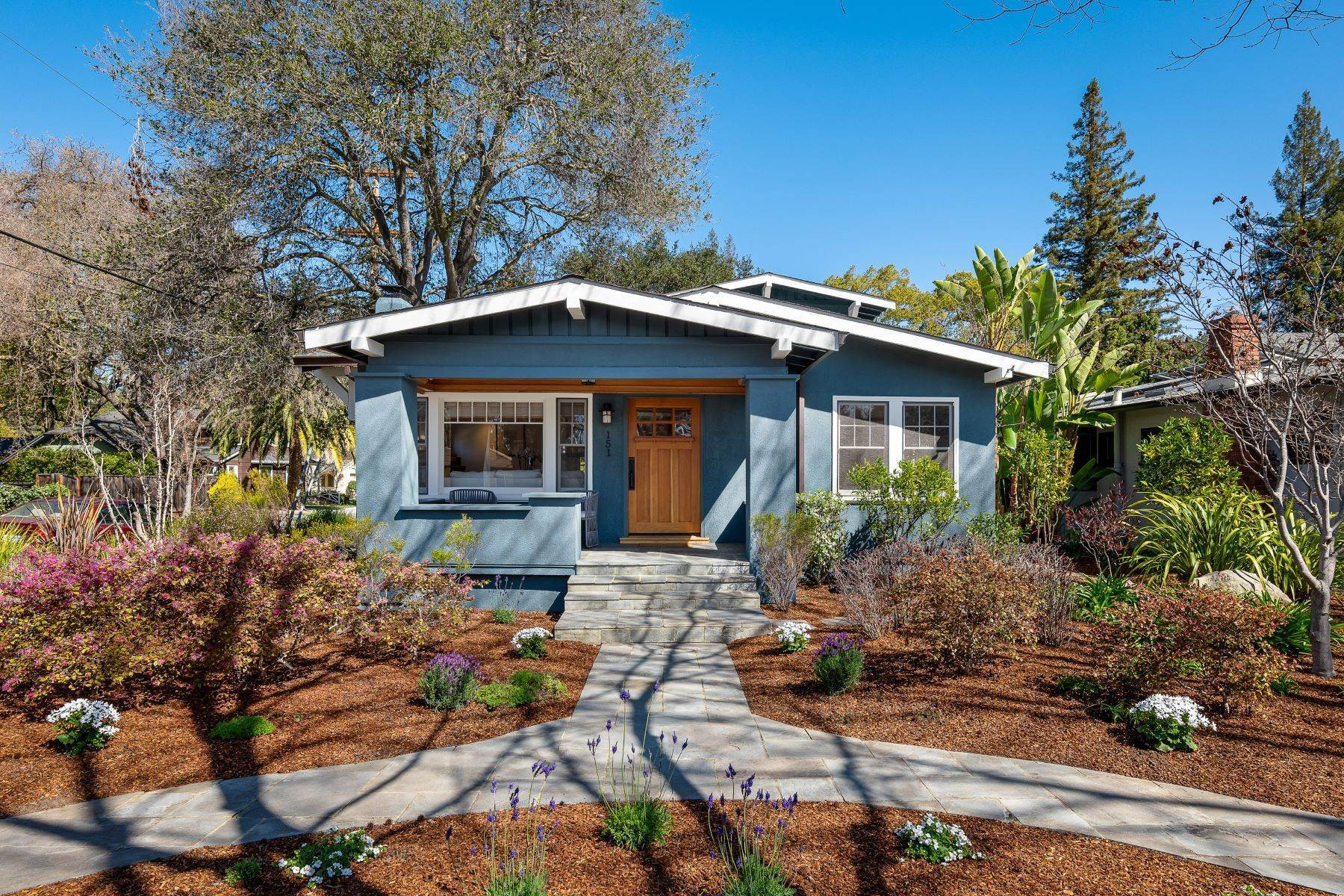 Single Family Homes por un Venta en Charming Palo Alto Craftsman 151 Waverley Street Palo Alto, California 94301 Estados Unidos