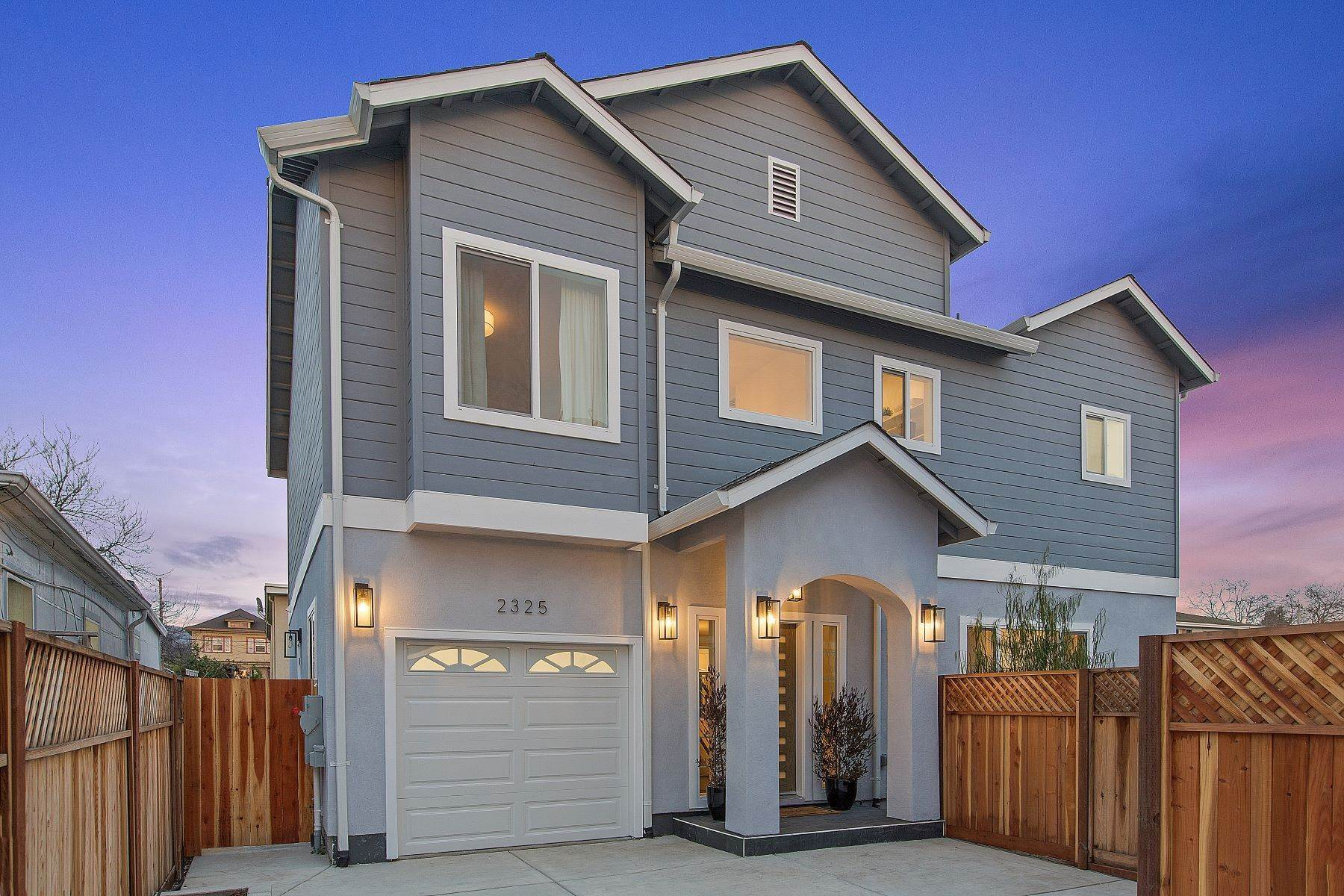 Single Family Homes por un Venta en Exceptional Southwest Berkeley New Construction Home 2325 8th Street Berkeley, California 94710 Estados Unidos