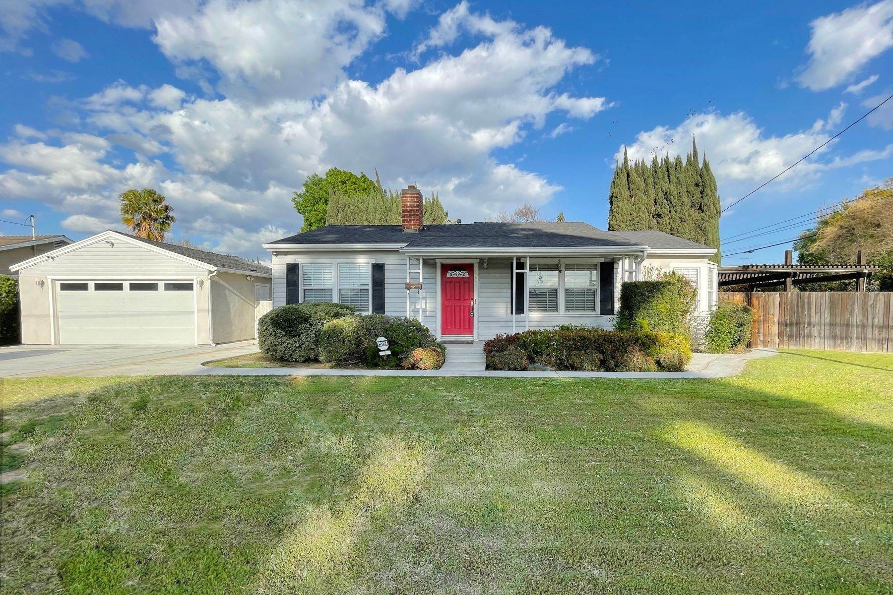 Single Family Homes por un Venta en 5004 Doreen Ave Temple City, California 91780 Estados Unidos