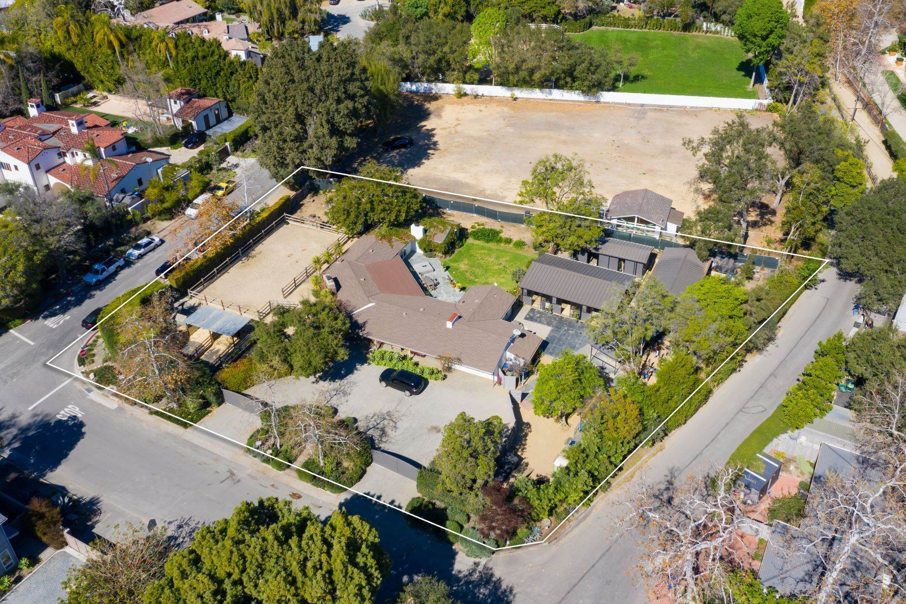 Single Family Homes for Active at 13181 Riviera Ranch Rd 13181 Riviera Ranch Road Los Angeles, California 90049 United States