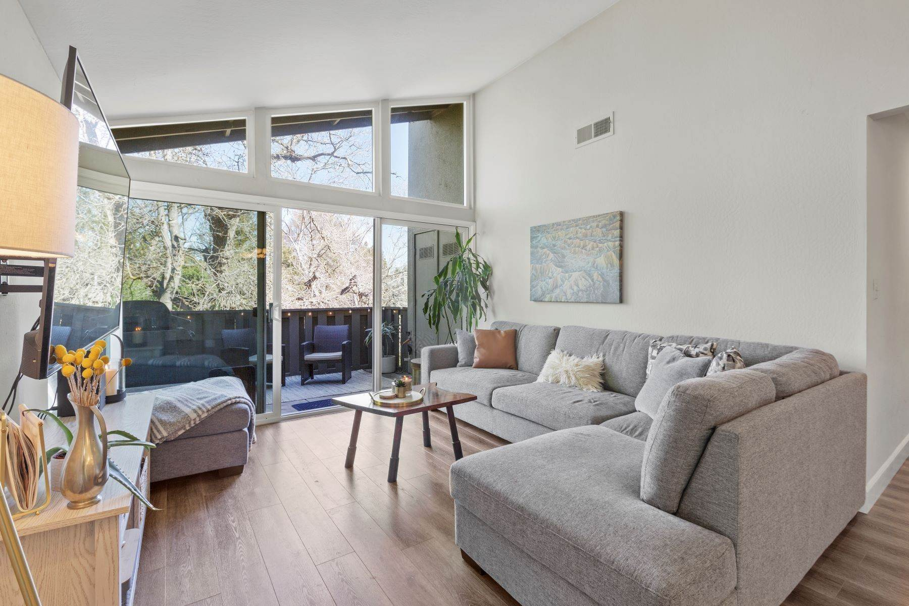 Condominiums for Active at Modern condominium in the treetops! 54 Massolo Drive Apt H Pleasant Hill, California 94523 United States