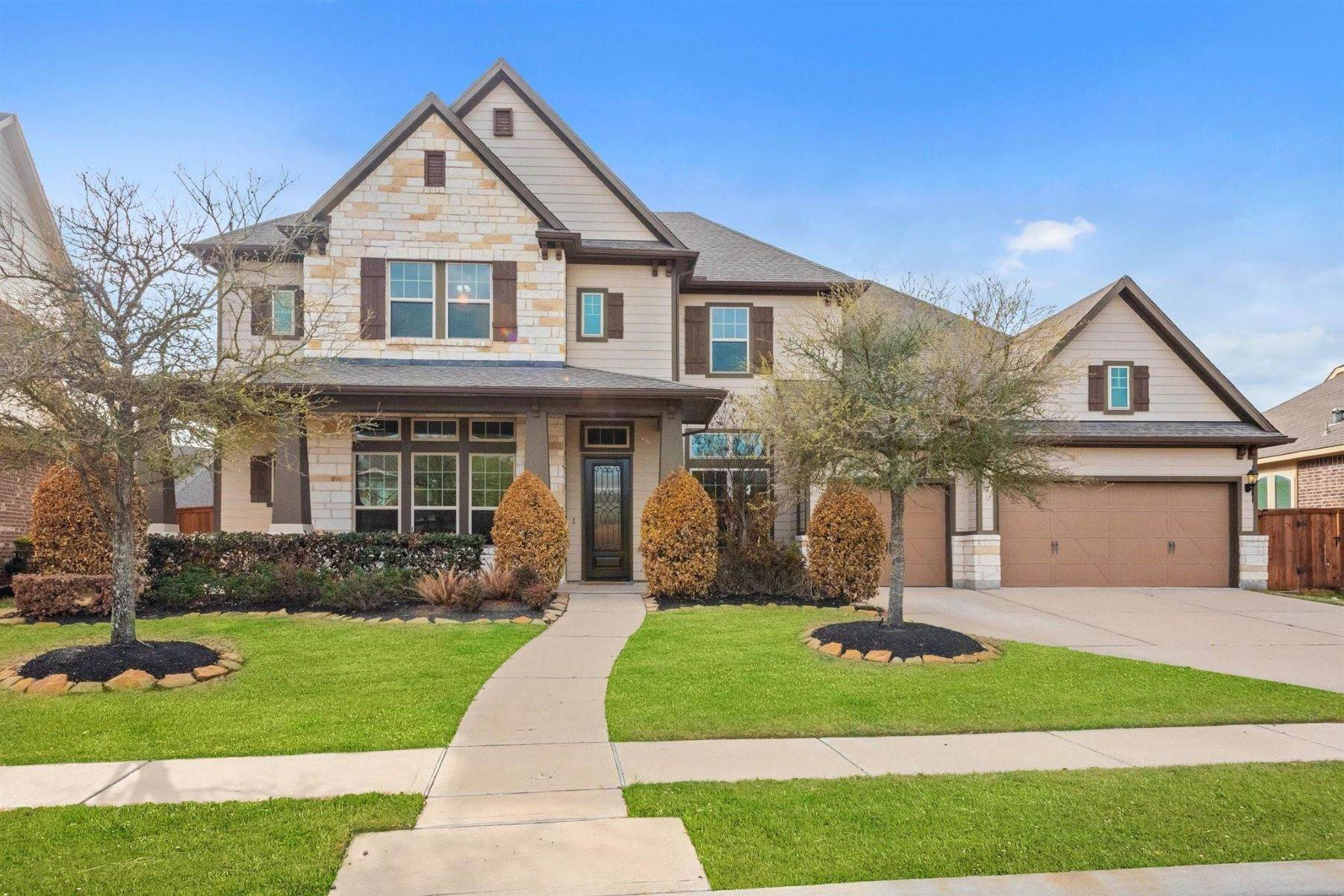 Single Family Homes for Active at 10703 Mayberry Heights Drive Cypress, Texas 77433 United States