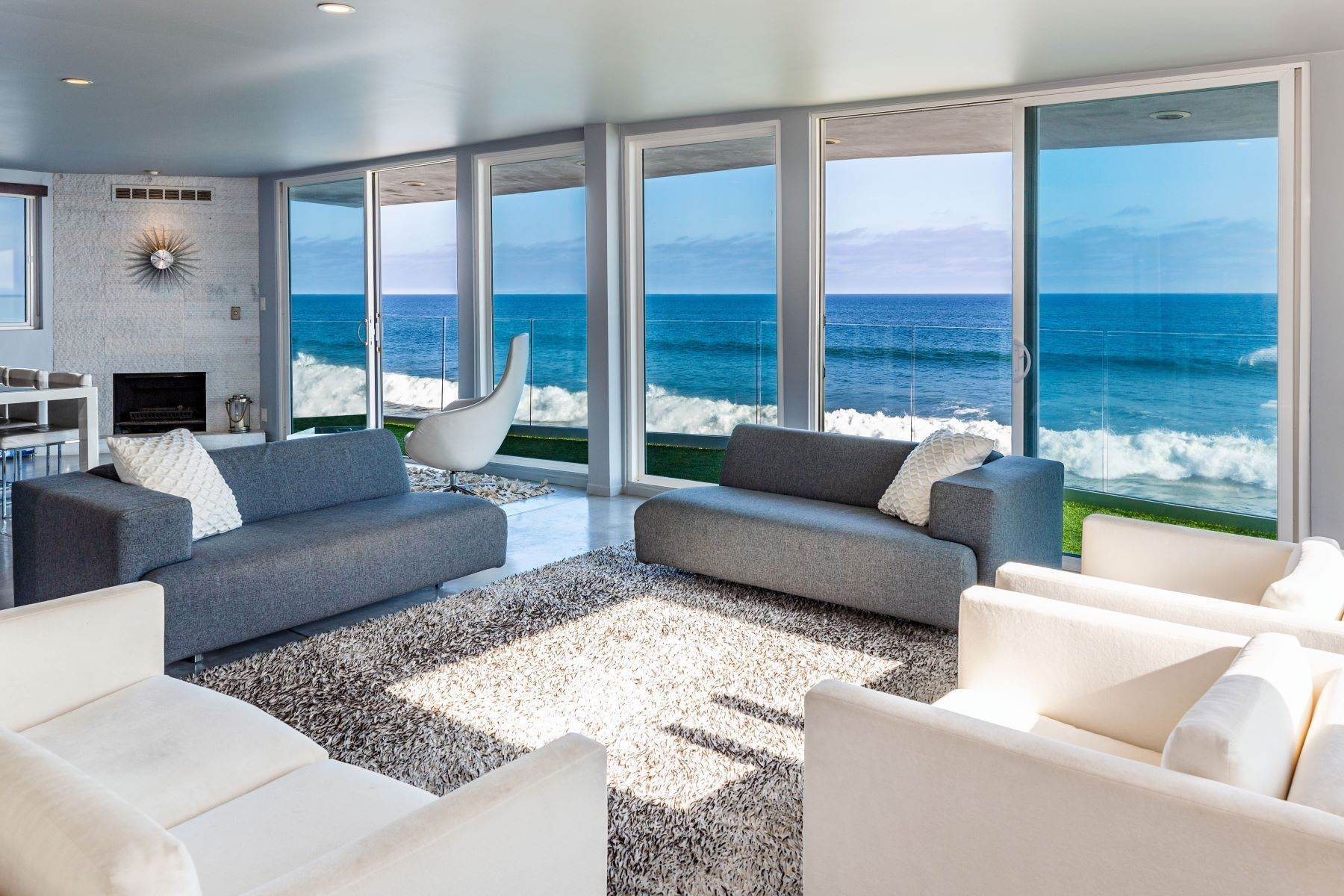 Multi-Family Homes for Active at 26060 Pacific Coast Hwy Malibu, California 90265 United States